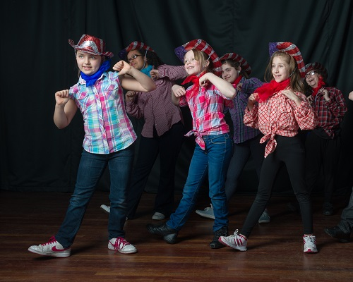 Singing and dance lessons in Ilford for children