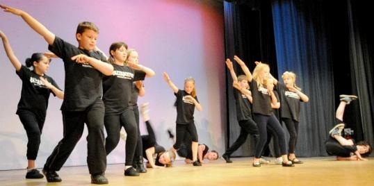 Dance Class at Razz Yate