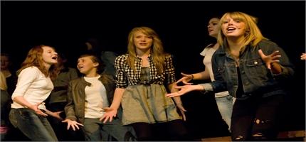Stage School in Taunton Razzamataz